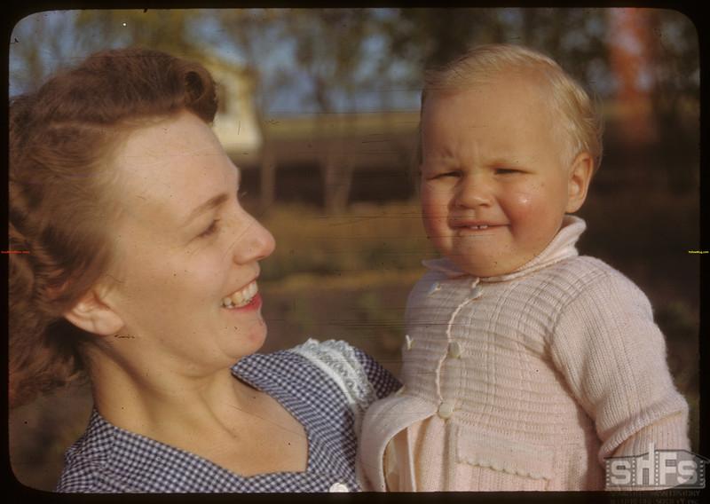 Mrs. Johnny Dexter - Laurel co-op farm. Meskanaw 09/24/1946