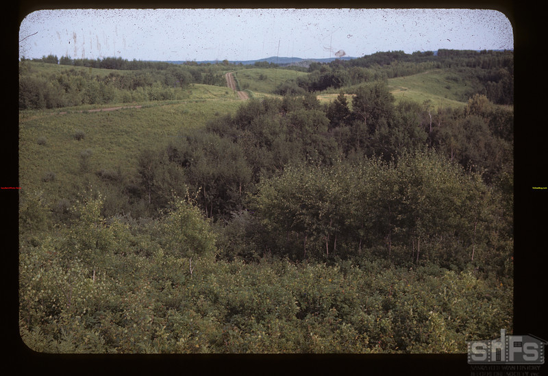 Saskatoon Settlement Trail near Walls. Looking East.	 Loon Lake	 08/19/1945