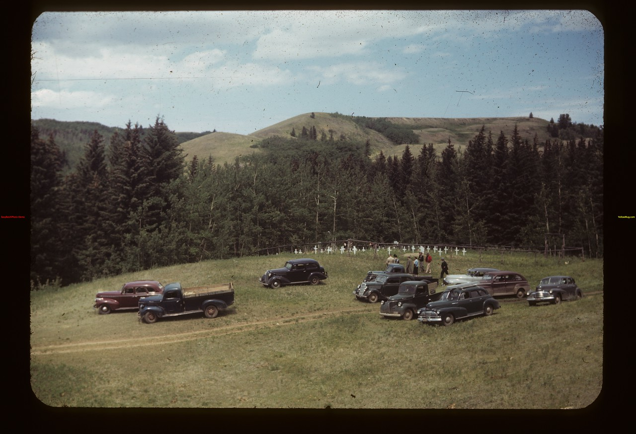 Co-op recreation tour - Fort Walsh cemetary	 Fort Walsh	 06/29/1949