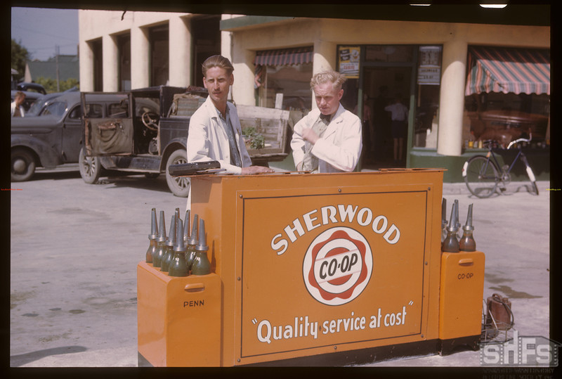 "Sherwood Co-op ""Bookkeeping Out Doors. Regina 08/10/1946"