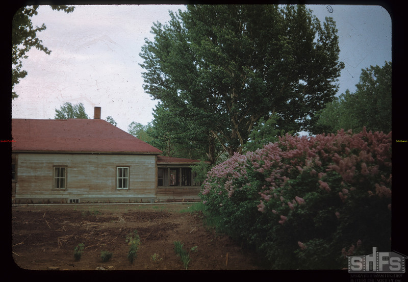 """""""Z-X"""" House W. of Lilacs Eastend 06/04/1948"""