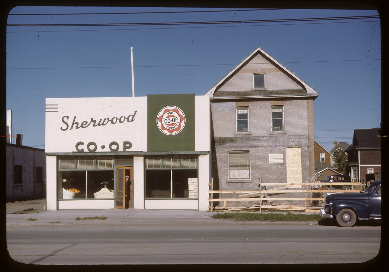 Sherwood Co-op business offices and grocery. Regina 07/20/1946
