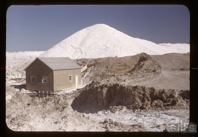 NaSO4 stockpile and pumphuse.	 Chaplin	 05/28/1948