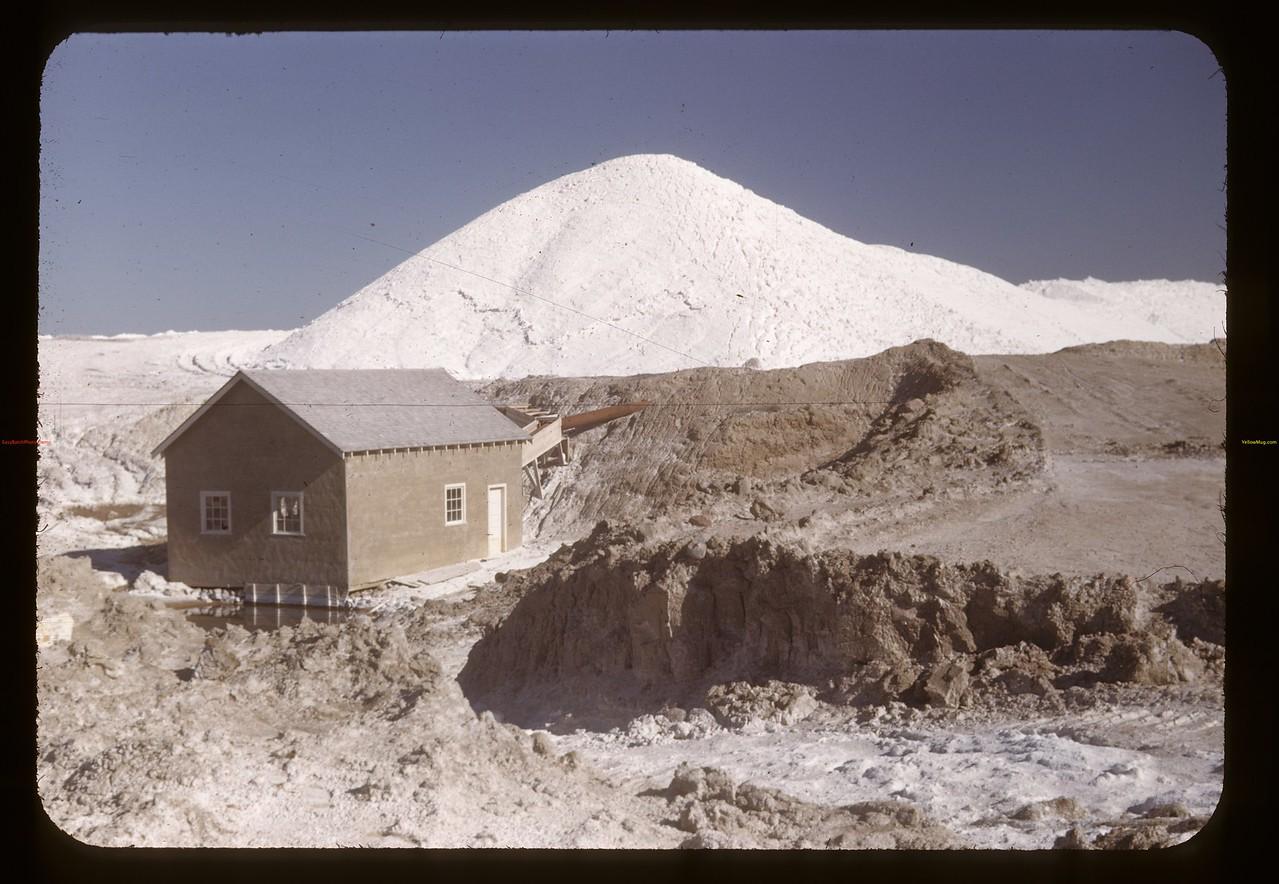 NaSO4 stockpile and pumphuse. Chaplin 05/28/1948