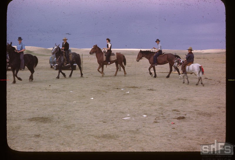 Pony competition. Mankota 06/05/1946