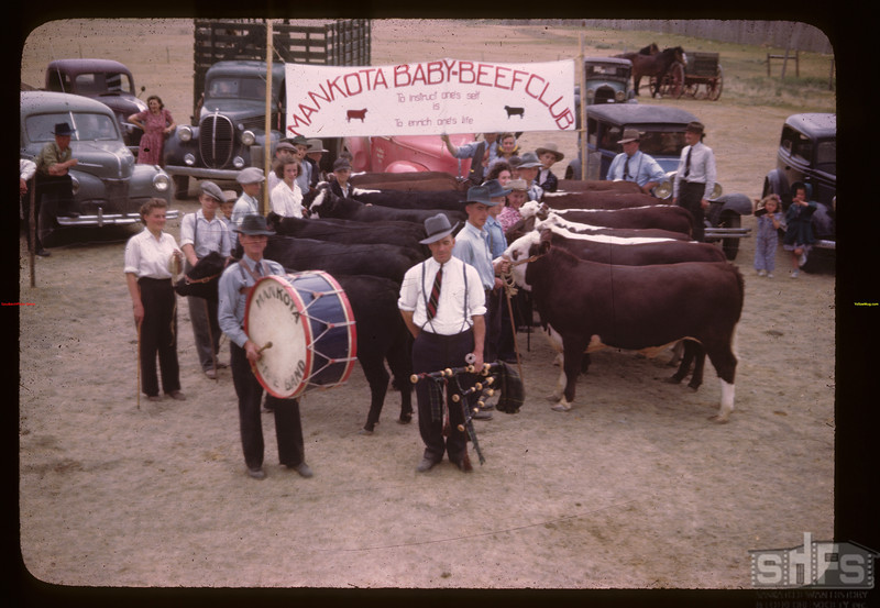 Baby Beef Club Show & Sale. Mankota 06/05/1946