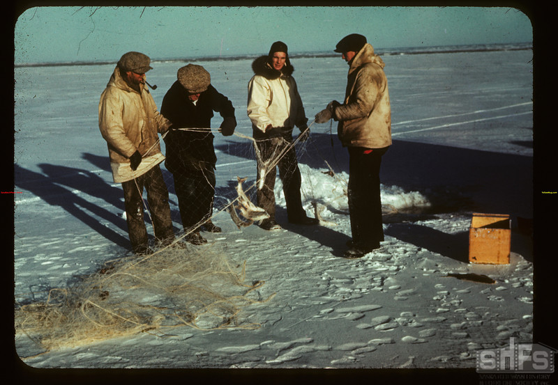 Winter fishing - Jackfish Lake	 Meota	 01/06/1942