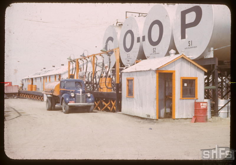 Warehouse and tanks - Co-op refineries.  Regina.  07/17/1941