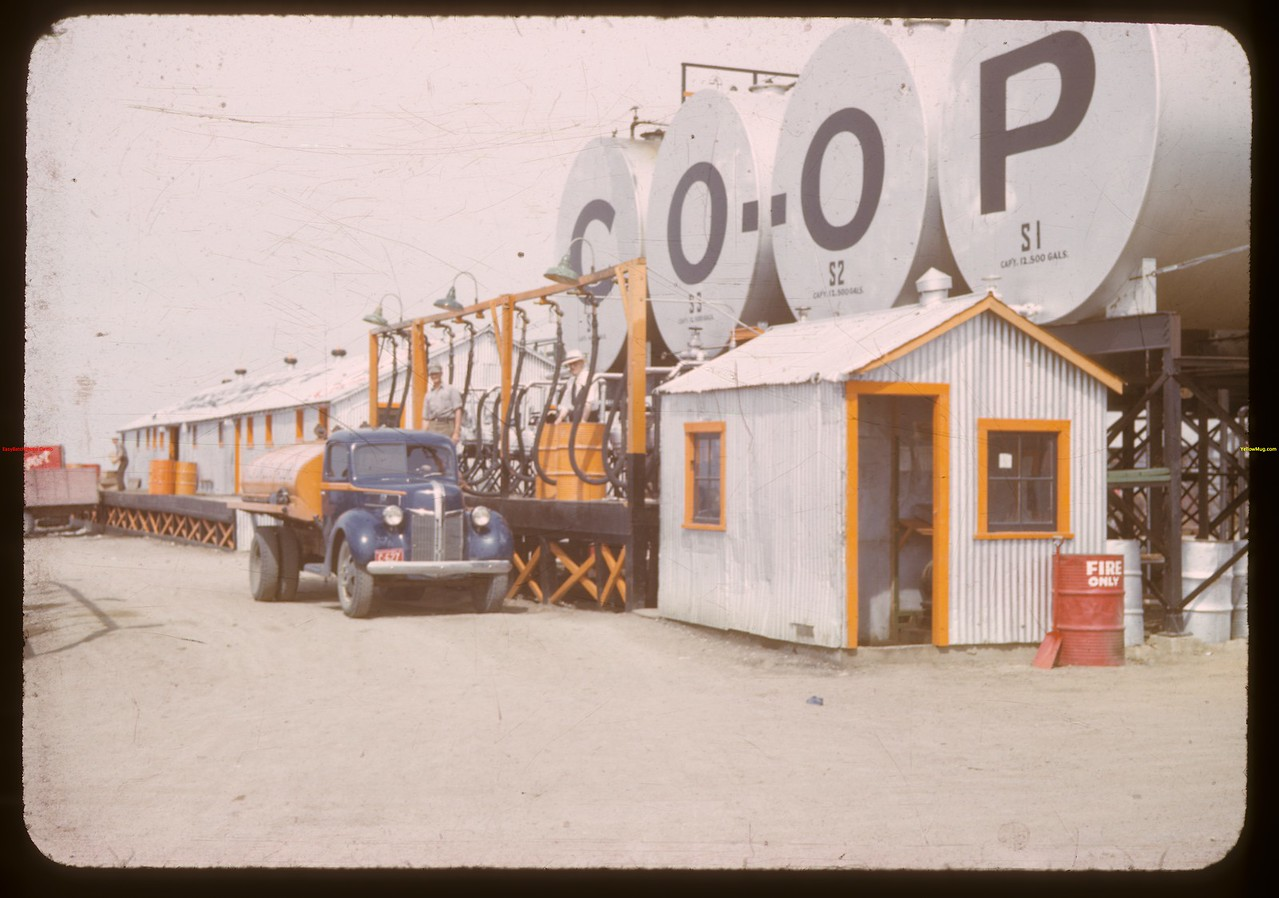 Warehouse and tanks - Co-op refineries.  Regina.  07/17/1941