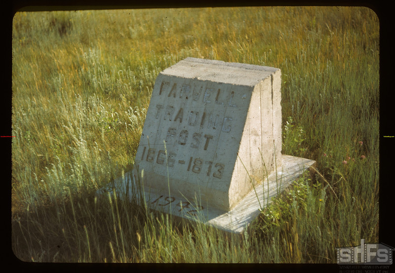 Marker indicating site of Farwell Trading Post - north of Battle Creek.	 Maple Creek	 07/04/1948