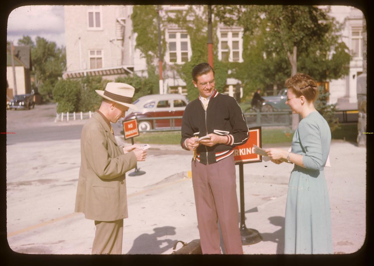Sask. Co-op Union staff discuss program.  Regina.  08/09/1946
