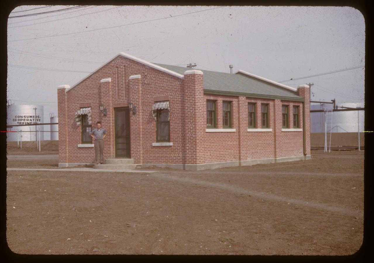 Laboratory Co-op Refineries.  Regina.  07/17/1941