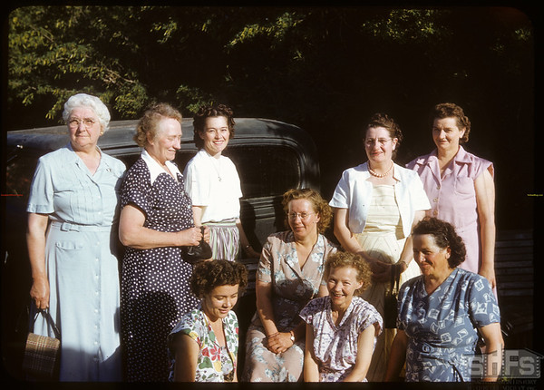 Shaunavon Women's Co-op Guild - Blomme picnic..  Shaunavon.  07/02/1951