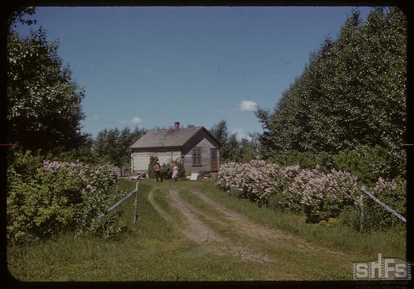Entrance to Mrs. A. B. Duignan's home.  Stone P.O..  06/09/1952