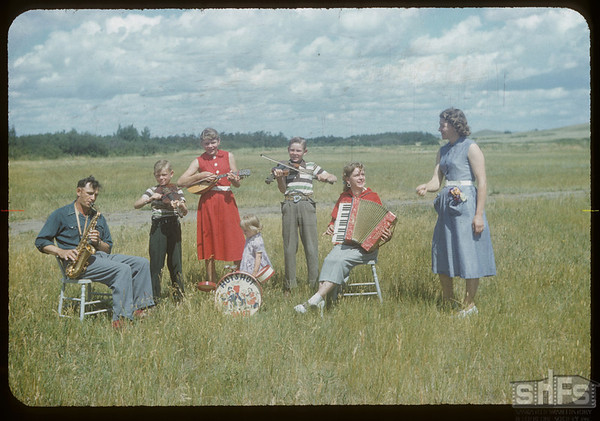 The Walter Thomas orchestra.  Wood Mountain.  08/07/1954
