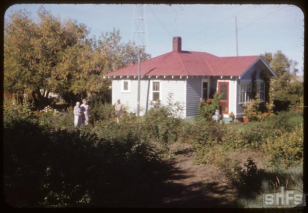 Steve Mann Home.  Skull Creek P. O..  09/16/1952