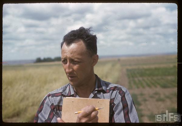 Steve Bezunski explains plots.  Swift Current.  06/30/1958
