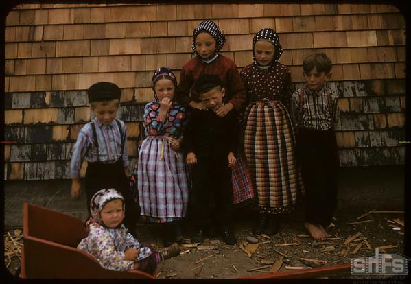 Bench Colony Hutterite children..  Shaunavon.  08/03/1957