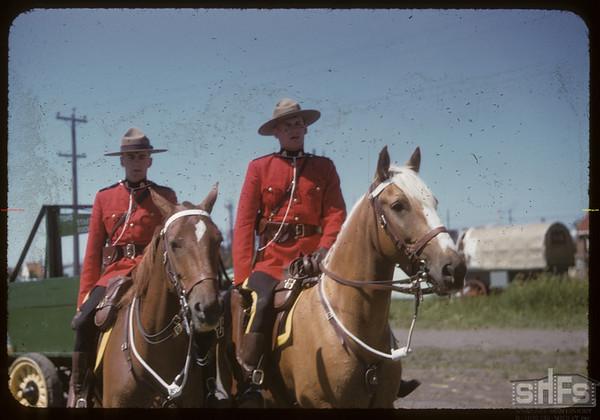 Pionera - Mounties on horse back.  Saskatoon.  07/06/1955