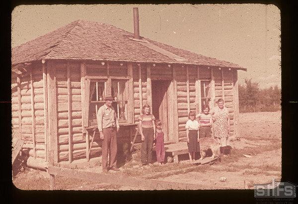 J. W. Unreau and family. Lake 4 P.O.  08/15/1953