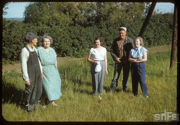 The John Gollings and Yvonne Dalager.  Shaunavon.  07/07/1952