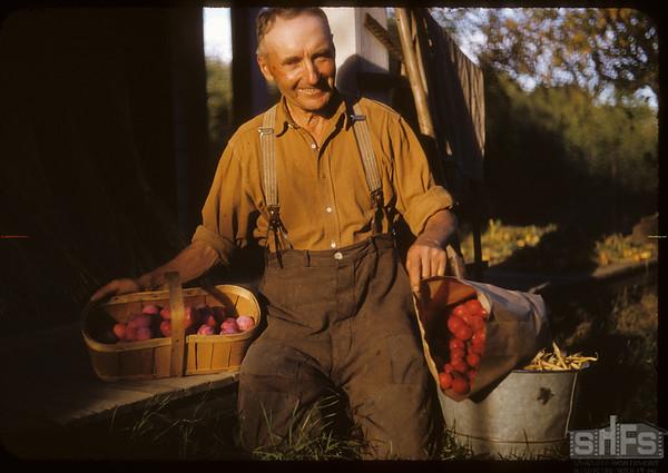 World Wheat King - Dick Robbins - horticulturist..  Shaunavon.  09/08/1952