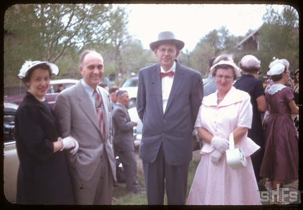 Neidig - Lind wedding; Mr & Mrs Baungartner and Mr & Mrs Linnin.  Shaunavon.  05/26/1956