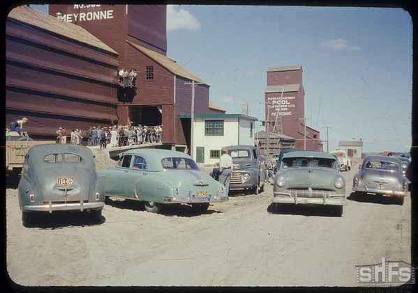 Pool elevator and annex official opening. Meyronne. 06/30/1954