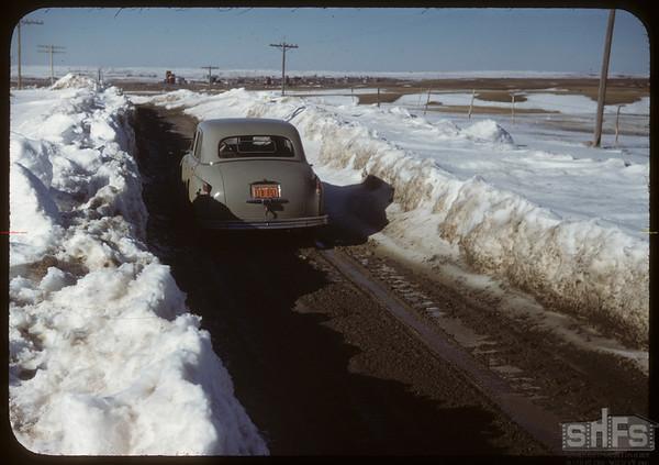 Winter road south  of Shaunavon..  Shaunavon.  04/05/1950