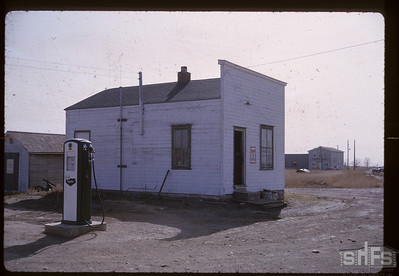 [Service station]. Bounty. 05/01/1964