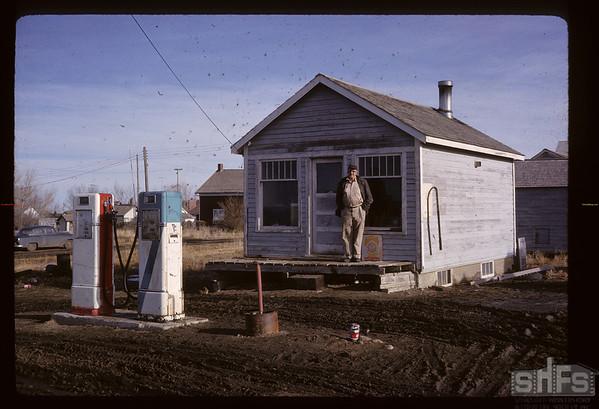 Rudy Fertile at co-op filling station. Glenside.  04/01/1963