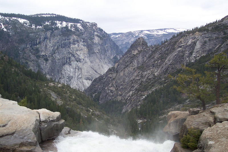 31. Looking over Yosemite Valley.JPG
