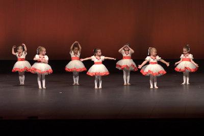 June - the Small Nelsch Village dances