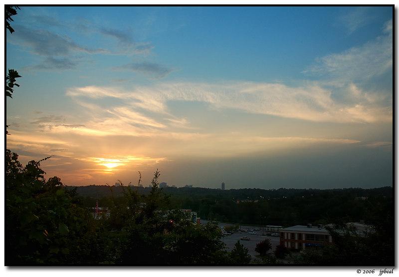 29Aug06<br /> <br /> evening sky, w/ the buckhead skyline on the horizon.<br /> <br /> f/5.6, 1/500s, iso 200.