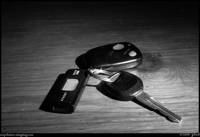 "31Jan08  keys for cruisin'.  <a href=""http://carpelumen.smugmug.com/gallery/2299771/1/126755700/Medium"">one year ago.</a>  f/29, 5s, iso 200."