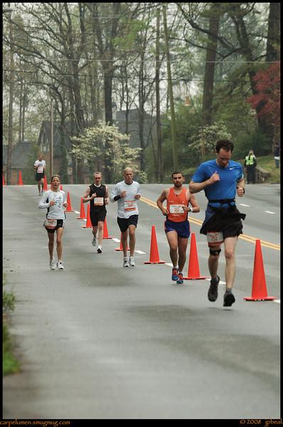 "(31Mar08)  another from yesterday's marathon..  <a href=""http://carpelumen.smugmug.com/gallery/2530267_2Xcsn/1/140004378_hF7JZ/Medium"">one year ago.</a>  f/5.3, 1/160s, iso 800."