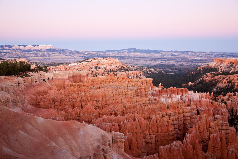 September 24, 2009<br /> Bryce amphitheater after sunset in Bryce Canyon National Park. I took this photo between Sunset Point and Inspiration Point around 10 minutes after sunset. Red hoodoos are 30-150 feet high.