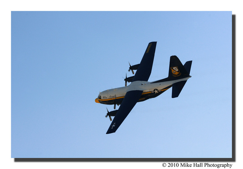 """""""C-130T""""<br /> This aircraft did some amazing maneuvers for a plane so large."""