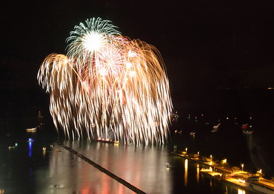 September 6 2010  Raining Fire  For this I one I tried a 20 second exposure.  As I said yesterday, for me, shooting fireworks involves lots of guess work.  I like the way this one came out.  I shot it from the 41st floor of Lake Point Tower.
