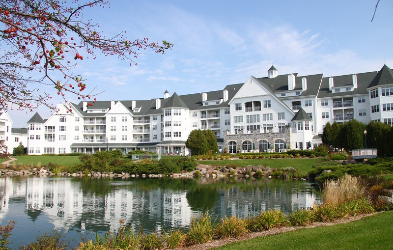 """September 22 2010 Osthoff Resort Elkhart Lake, Wisconsin<br /> <br /> This is where we've been staying. This morning we head for Door County. Crazy weather, 80 yesterday, 60's today, 80 tomorrow.  Here's a pano of the resort <br />  <a href=""""http://arthill.smugmug.com/Vacation/Wisconsin-2010/Osthoff-Resort/13853190_FJQ3v#1017129255_UpWRH-A-LB"""">http://arthill.smugmug.com/Vacation/Wisconsin-2010/Osthoff-Resort/13853190_FJQ3v#1017129255_UpWRH-A-LB</a>"""