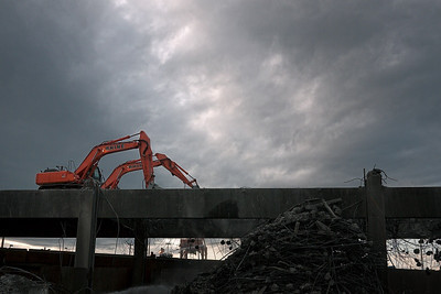 26 Oct: The demolition of the Alaska Way Viaduct. Looks kind of apocalyptic.