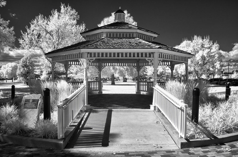 10/11/11: Infrared image shot with Tamron's 18-270mm f/3.5-6.3 Di II VC PZD