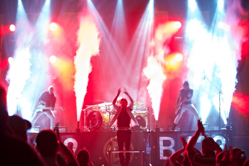 Building 429 in concert at Reliant Arena.