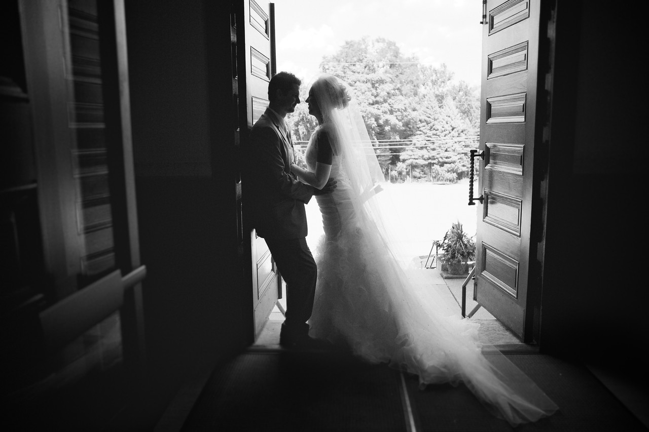 Back in August, I broke away from a busy studio schedule and had the pleasure of flying to Pennsylvania to shoot the beautiful wedding of Michael and Emily Kilgore. Beautiful weather and a great couple = fantastic weekend. :)
