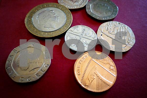 O27 Coins Strand