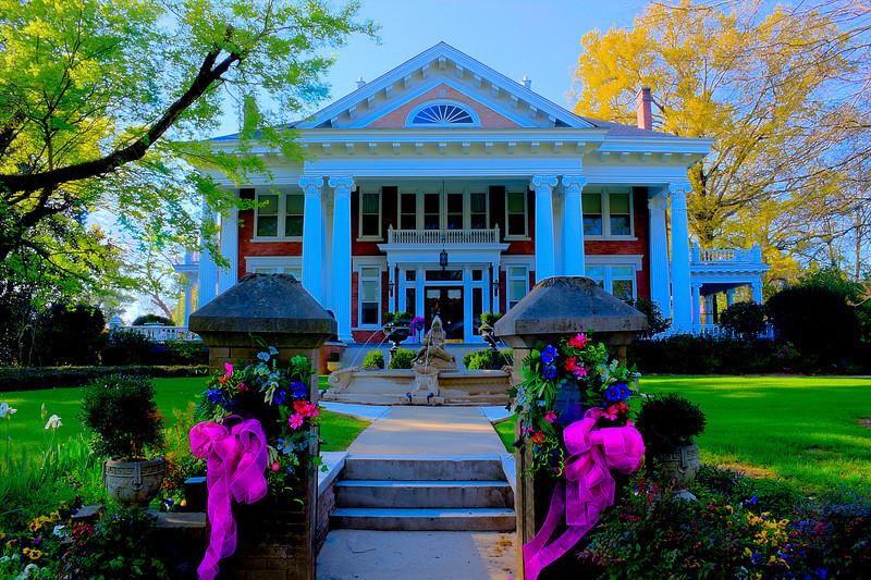 Highland House- Lindamood Mansion Easter Columbus Mississippi