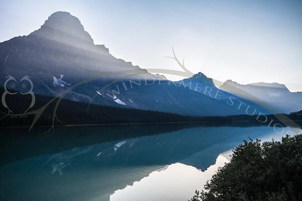 Sunset at Waterfowl Lakes. Mount Chephren.