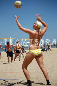 20100717 EVP Pro & Amateur Beach Volleyball - Chicago, Amateur Beach Babe Serve