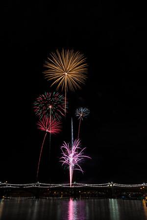 July 4th Firework (Tempe, AZ, 2015)