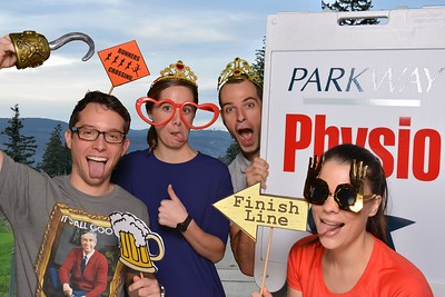 A fun day with our friends from Frontrunners Victoria for the Bear Mountain Resort 10k. Congrats to all the runners who took the challenge and conquered the Bear.There was sweat, smiles, medals, friendship, families and pics in the booth. Thanks for joining in the fun. We hope to see you back in the booth!